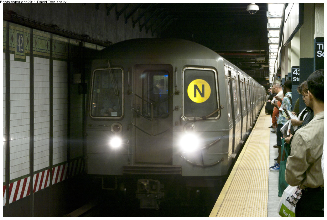 (224k, 1044x702)<br><b>Country:</b> United States<br><b>City:</b> New York<br><b>System:</b> New York City Transit<br><b>Line:</b> BMT Broadway Line<br><b>Location:</b> Times Square/42nd Street <br><b>Route:</b> N<br><b>Car:</b> R-68A (Kawasaki, 1988-1989)  5126 <br><b>Photo by:</b> David Tropiansky<br><b>Date:</b> 10/8/2010<br><b>Viewed (this week/total):</b> 1 / 1920