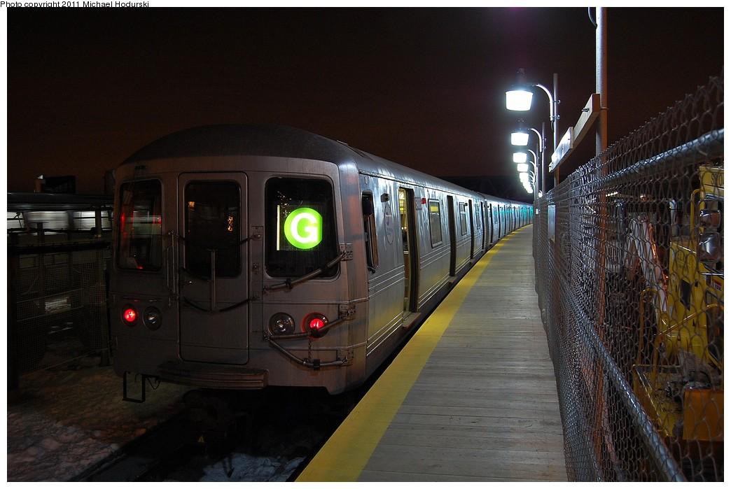 (222k, 1044x699)<br><b>Country:</b> United States<br><b>City:</b> New York<br><b>System:</b> New York City Transit<br><b>Line:</b> IND Crosstown Line<br><b>Location:</b> 4th Avenue <br><b>Route:</b> G<br><b>Car:</b> R-46 (Pullman-Standard, 1974-75) 5488 <br><b>Photo by:</b> Michael Hodurski<br><b>Date:</b> 1/17/2011<br><b>Notes:</b> Temporary platform.<br><b>Viewed (this week/total):</b> 1 / 1007