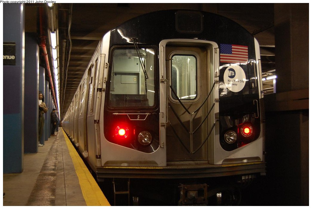 (194k, 1044x699)<br><b>Country:</b> United States<br><b>City:</b> New York<br><b>System:</b> New York City Transit<br><b>Line:</b> IND 6th Avenue Line<br><b>Location:</b> 2nd Avenue <br><b>Route:</b> M<br><b>Car:</b> R-160A-1 (Alstom, 2005-2008, 4 car sets)   <br><b>Photo by:</b> John Dooley<br><b>Date:</b> 12/26/2010<br><b>Notes:</b> Snowstorm layup<br><b>Viewed (this week/total):</b> 0 / 1196
