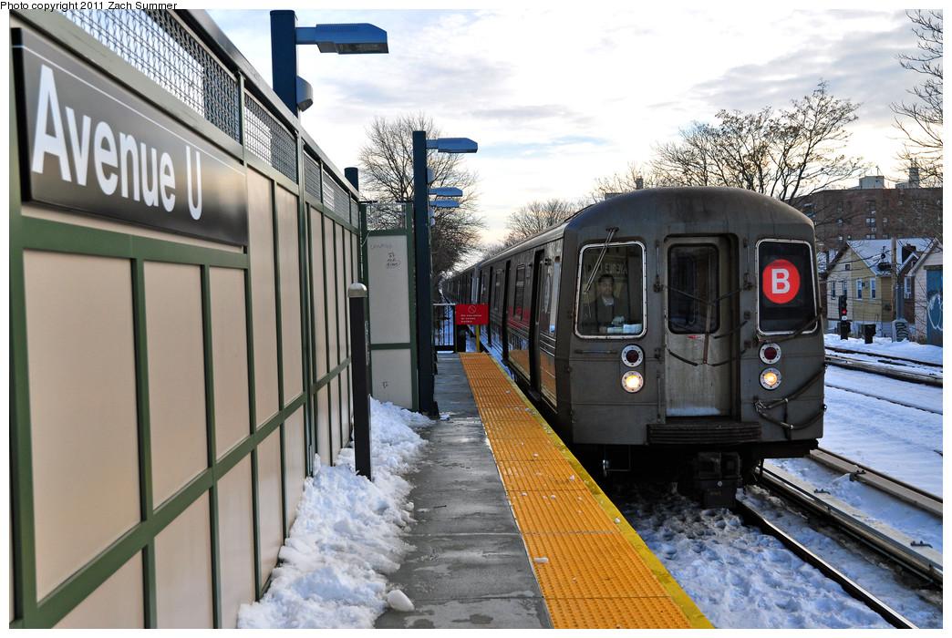 (281k, 1044x700)<br><b>Country:</b> United States<br><b>City:</b> New York<br><b>System:</b> New York City Transit<br><b>Line:</b> BMT Brighton Line<br><b>Location:</b> Avenue U <br><b>Route:</b> B<br><b>Car:</b> R-68 (Westinghouse-Amrail, 1986-1988)  2838 <br><b>Photo by:</b> Zach Summer<br><b>Date:</b> 12/30/2010<br><b>Viewed (this week/total):</b> 0 / 1110