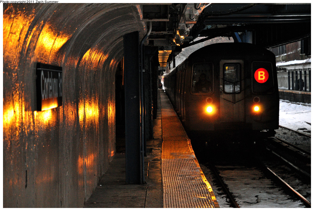 (296k, 1044x700)<br><b>Country:</b> United States<br><b>City:</b> New York<br><b>System:</b> New York City Transit<br><b>Line:</b> BMT Brighton Line<br><b>Location:</b> Cortelyou Road <br><b>Route:</b> B<br><b>Car:</b> R-68A (Kawasaki, 1988-1989)  5044 <br><b>Photo by:</b> Zach Summer<br><b>Date:</b> 12/30/2010<br><b>Viewed (this week/total):</b> 0 / 1280