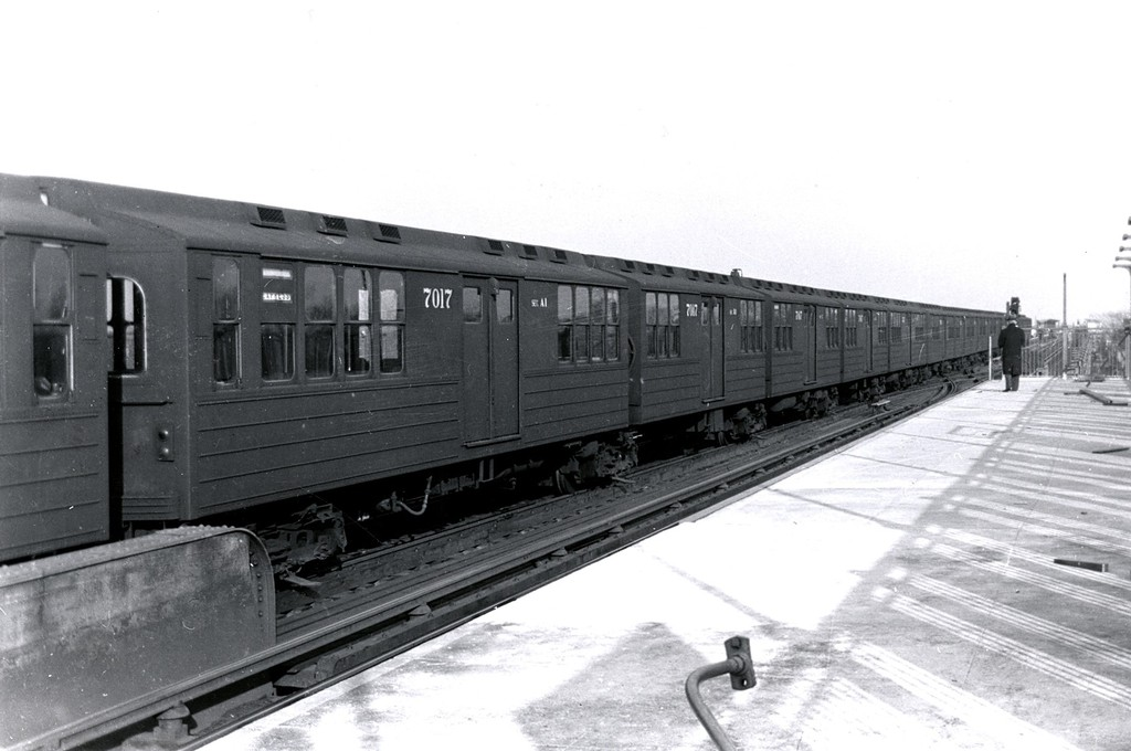 (139k, 1024x680)<br><b>Country:</b> United States<br><b>City:</b> New York<br><b>System:</b> New York City Transit<br><b>Line:</b> IND Fulton Street Line<br><b>Location:</b> 80th Street/Hudson Street <br><b>Car:</b> BMT Multi 7017 <br><b>Collection of:</b> George Conrad Collection<br><b>Date:</b> 2/1956<br><b>Notes:</b> Trains laid up on Fulton el.<br><b>Viewed (this week/total):</b> 0 / 5021
