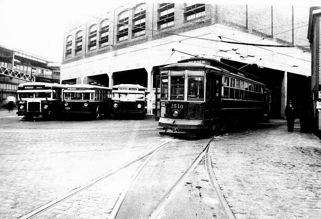 (206k, 1024x700)<br><b>Country:</b> United States<br><b>City:</b> New York<br><b>System:</b> Brooklyn & Queens Transit<br><b>Car:</b> B&QT/BMT 2510 <br><b>Collection of:</b> George Conrad Collection<br><b>Notes:</b> East New York depot circa 1940<br><b>Viewed (this week/total):</b> 0 / 1050