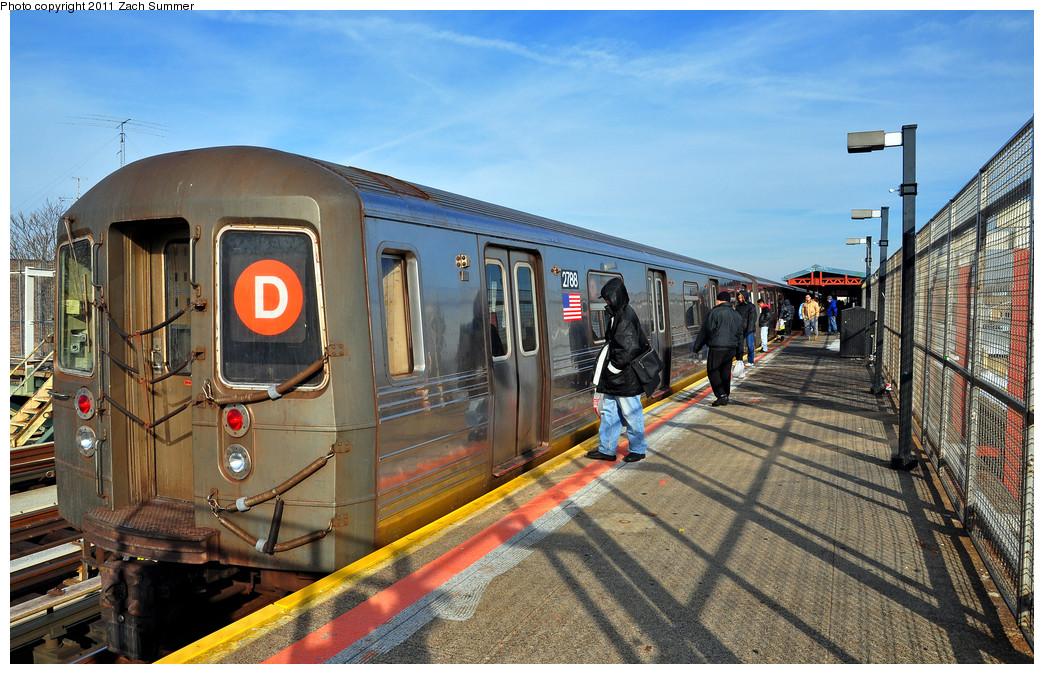 (307k, 1044x674)<br><b>Country:</b> United States<br><b>City:</b> New York<br><b>System:</b> New York City Transit<br><b>Line:</b> BMT West End Line<br><b>Location:</b> 79th Street <br><b>Route:</b> D<br><b>Car:</b> R-68 (Westinghouse-Amrail, 1986-1988)  2788 <br><b>Photo by:</b> Zach Summer<br><b>Date:</b> 12/31/2010<br><b>Viewed (this week/total):</b> 8 / 1421
