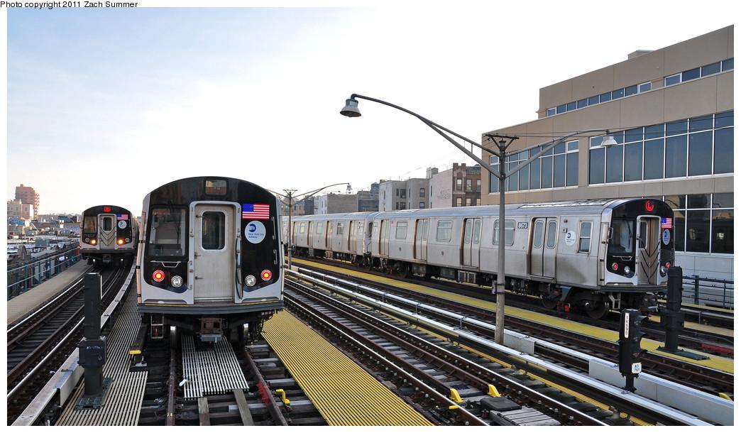 (235k, 1044x610)<br><b>Country:</b> United States<br><b>City:</b> New York<br><b>System:</b> New York City Transit<br><b>Line:</b> BMT Brighton Line<br><b>Location:</b> Ocean Parkway <br><b>Route:</b> Q<br><b>Car:</b> R-160B (Option 1) (Kawasaki, 2008-2009)  9092 <br><b>Photo by:</b> Zach Summer<br><b>Date:</b> 1/1/2011<br><b>Notes:</b> Left to Right: R160B 9092 Q, R160B 9078 Layup, R160A-2 8673 Layup<br><b>Viewed (this week/total):</b> 2 / 1235