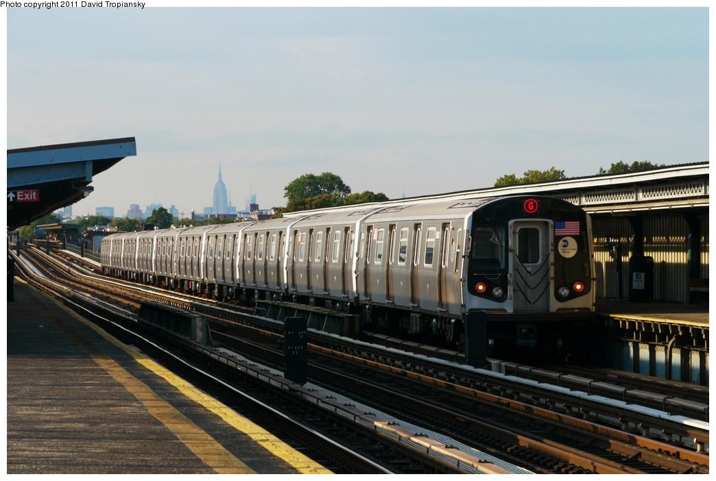 (231k, 1044x702)<br><b>Country:</b> United States<br><b>City:</b> New York<br><b>System:</b> New York City Transit<br><b>Line:</b> BMT Culver Line<br><b>Location:</b> Bay Parkway (22nd Avenue) <br><b>Route:</b> G<br><b>Car:</b> R-160A/R-160B Series (Number Unknown)  <br><b>Photo by:</b> David Tropiansky<br><b>Date:</b> 7/31/2010<br><b>Viewed (this week/total):</b> 2 / 1077