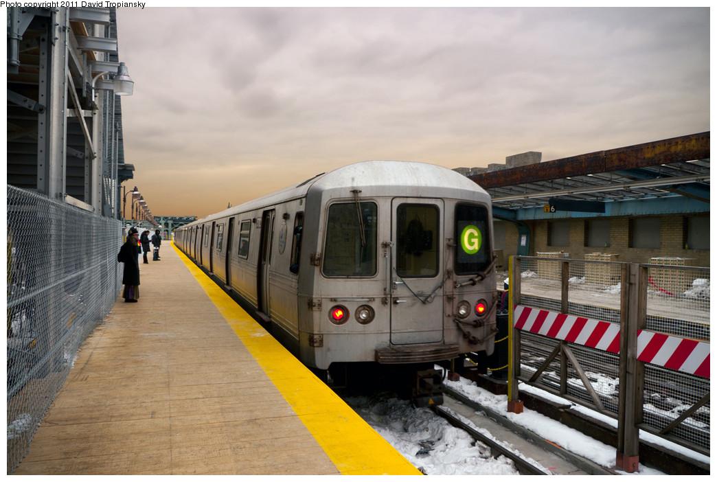 (234k, 1044x702)<br><b>Country:</b> United States<br><b>City:</b> New York<br><b>System:</b> New York City Transit<br><b>Line:</b> IND Crosstown Line<br><b>Location:</b> 4th Avenue <br><b>Route:</b> G<br><b>Car:</b> R-46 (Pullman-Standard, 1974-75) 5772 <br><b>Photo by:</b> David Tropiansky<br><b>Date:</b> 1/17/2011<br><b>Viewed (this week/total):</b> 0 / 1062