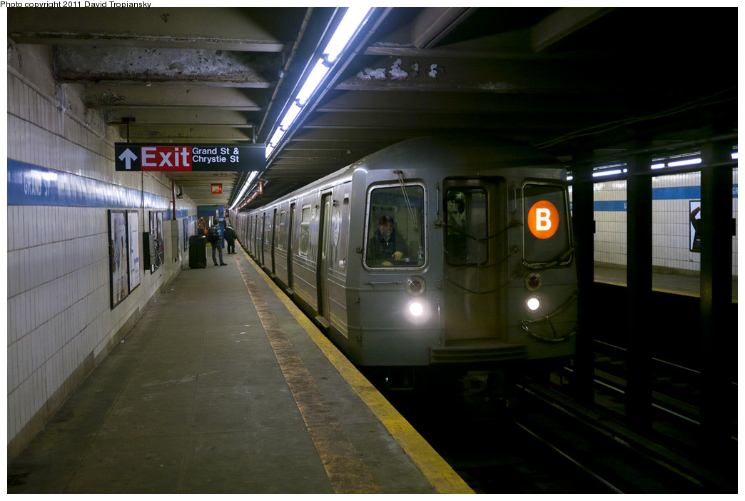 (192k, 1044x702)<br><b>Country:</b> United States<br><b>City:</b> New York<br><b>System:</b> New York City Transit<br><b>Line:</b> IND 6th Avenue Line<br><b>Location:</b> Grand Street <br><b>Route:</b> B<br><b>Car:</b> R-68A (Kawasaki, 1988-1989)  5154 <br><b>Photo by:</b> David Tropiansky<br><b>Date:</b> 1/21/2011<br><b>Viewed (this week/total):</b> 2 / 1998