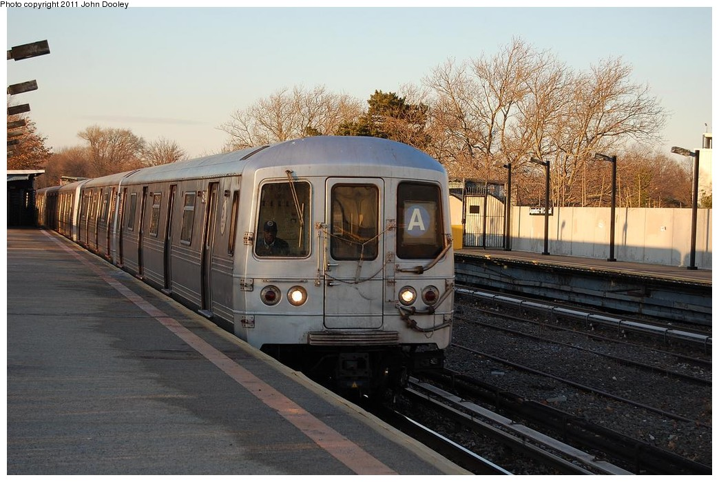 (243k, 1044x699)<br><b>Country:</b> United States<br><b>City:</b> New York<br><b>System:</b> New York City Transit<br><b>Line:</b> IND Rockaway<br><b>Location:</b> Aqueduct/North Conduit Avenue <br><b>Route:</b> A<br><b>Car:</b> R-46 (Pullman-Standard, 1974-75) 5914 <br><b>Photo by:</b> John Dooley<br><b>Date:</b> 12/17/2010<br><b>Viewed (this week/total):</b> 0 / 962