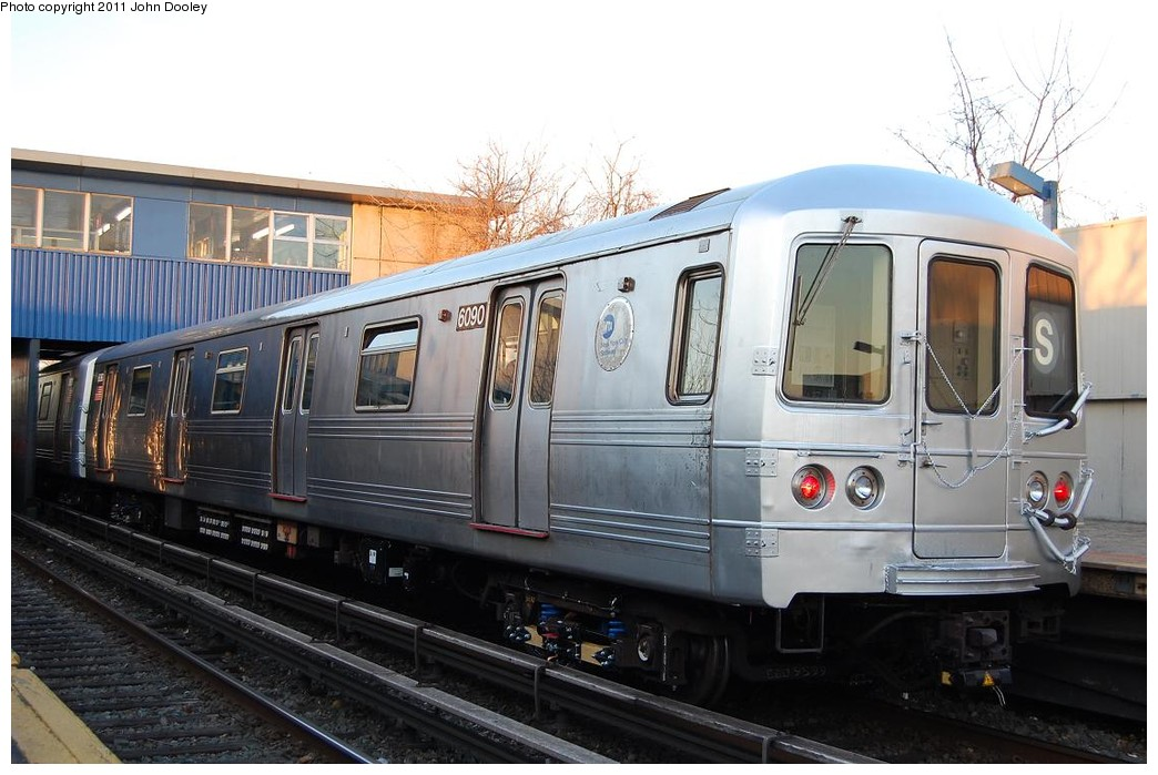 (211k, 1044x699)<br><b>Country:</b> United States<br><b>City:</b> New York<br><b>System:</b> New York City Transit<br><b>Line:</b> IND Rockaway<br><b>Location:</b> Broad Channel <br><b>Route:</b> S<br><b>Car:</b> R-46 (Pullman-Standard, 1974-75) 6090 <br><b>Photo by:</b> John Dooley<br><b>Date:</b> 12/17/2010<br><b>Viewed (this week/total):</b> 0 / 1177