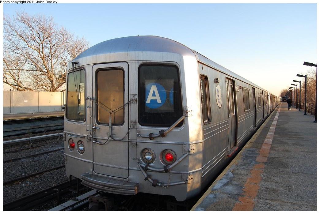 (234k, 1044x699)<br><b>Country:</b> United States<br><b>City:</b> New York<br><b>System:</b> New York City Transit<br><b>Line:</b> IND Rockaway<br><b>Location:</b> Aqueduct/North Conduit Avenue <br><b>Route:</b> A<br><b>Car:</b> R-46 (Pullman-Standard, 1974-75) 6192 <br><b>Photo by:</b> John Dooley<br><b>Date:</b> 12/17/2010<br><b>Viewed (this week/total):</b> 0 / 913