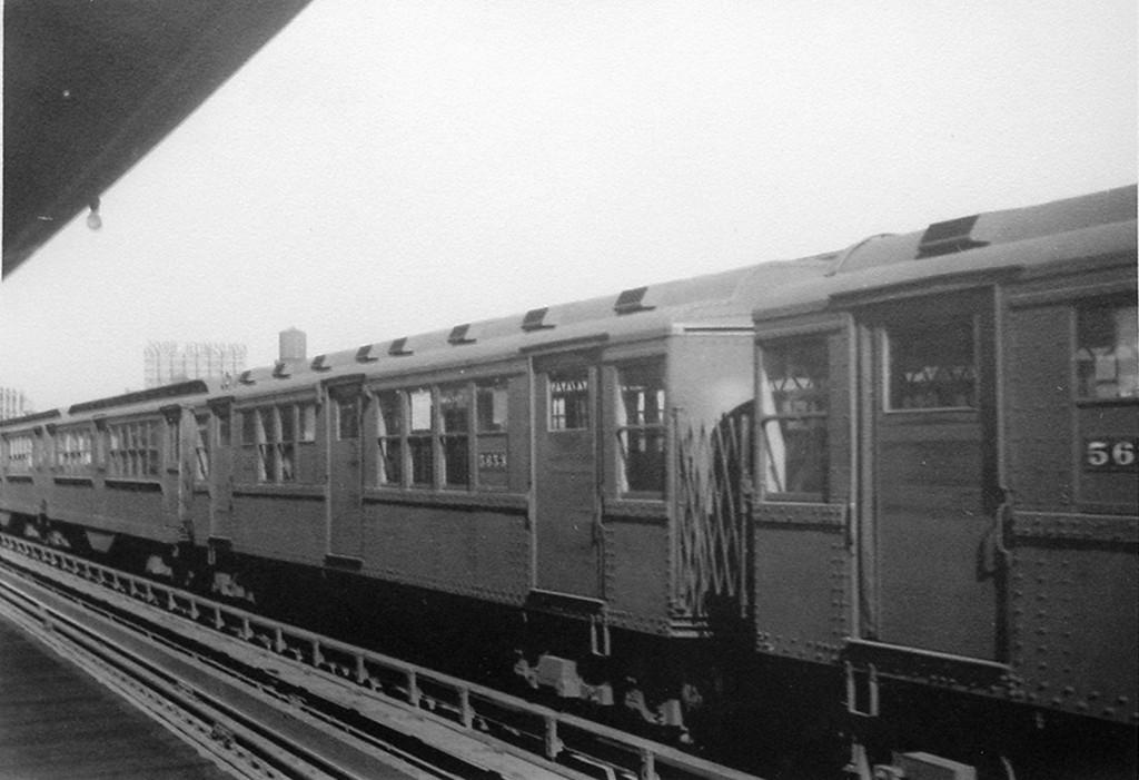 (142k, 1024x701)<br><b>Country:</b> United States<br><b>City:</b> New York<br><b>System:</b> New York City Transit<br><b>Car:</b> Low-V Worlds Fair  <br><b>Viewed (this week/total):</b> 4 / 889