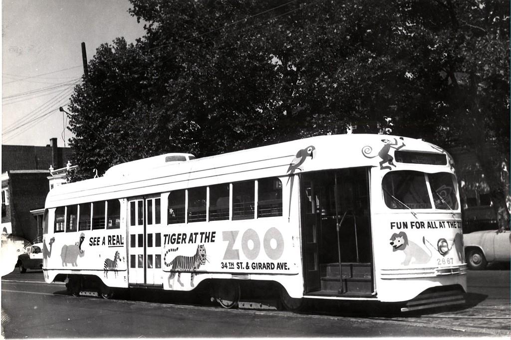 (204k, 1024x682)<br><b>Country:</b> United States<br><b>City:</b> Philadelphia, PA<br><b>System:</b> SEPTA (or Predecessor)<br><b>Line:</b> Rt. 15-Girard<br><b>Route:</b> Rt 15<br><b>Car:</b> PTC/SEPTA Wartime Air-car PCC (St.Louis, 1942)  2667 <br><b>Collection of:</b> George Conrad Collection<br><b>Viewed (this week/total):</b> 2 / 566