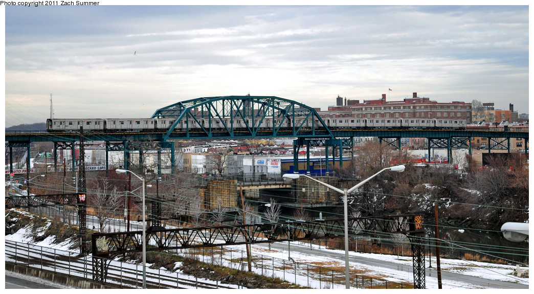 (274k, 1044x575)<br><b>Country:</b> United States<br><b>City:</b> New York<br><b>System:</b> New York City Transit<br><b>Line:</b> IRT Pelham Line<br><b>Location:</b> Whitlock Avenue <br><b>Route:</b> 6<br><b>Car:</b> R-142 or R-142A (Number Unknown)  <br><b>Photo by:</b> Zach Summer<br><b>Date:</b> 1/2/2011<br><b>Viewed (this week/total):</b> 0 / 1712