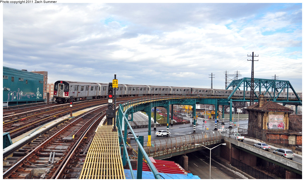 (286k, 1044x624)<br><b>Country:</b> United States<br><b>City:</b> New York<br><b>System:</b> New York City Transit<br><b>Line:</b> IRT Pelham Line<br><b>Location:</b> Whitlock Avenue <br><b>Route:</b> 6<br><b>Car:</b> R-142A (Primary Order, Kawasaki, 1999-2002)  7550 <br><b>Photo by:</b> Zach Summer<br><b>Date:</b> 1/2/2011<br><b>Viewed (this week/total):</b> 0 / 1815
