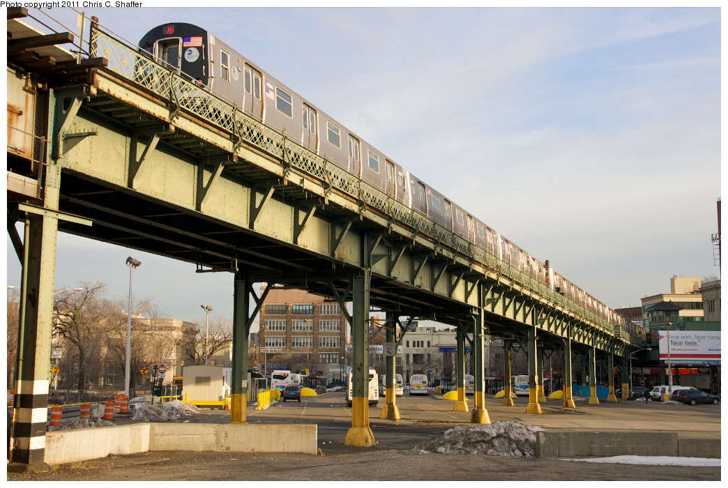 (277k, 1044x700)<br><b>Country:</b> United States<br><b>City:</b> New York<br><b>System:</b> New York City Transit<br><b>Line:</b> BMT Nassau Street/Jamaica Line<br><b>Location:</b> Marcy Avenue <br><b>Route:</b> M<br><b>Car:</b> R-160A-1 (Alstom, 2005-2008, 4 car sets)  8596 <br><b>Photo by:</b> Chris C. Shaffer<br><b>Date:</b> 1/20/2011<br><b>Viewed (this week/total):</b> 2 / 1531