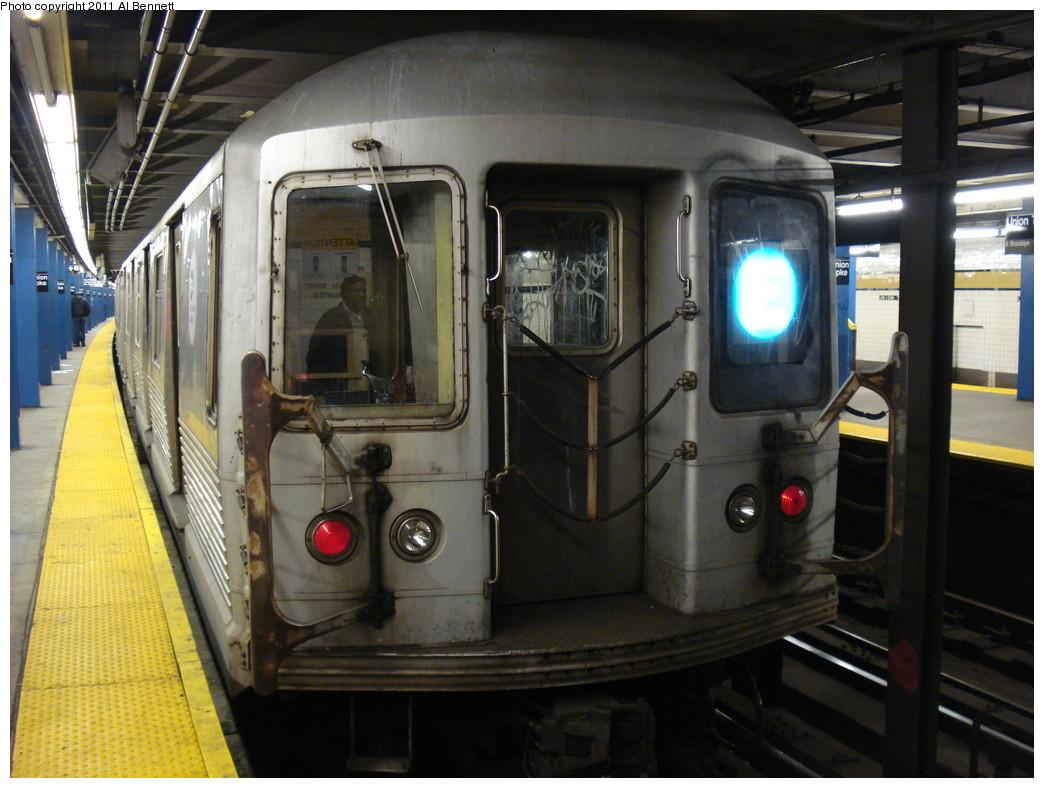 (228k, 1044x788)<br><b>Country:</b> United States<br><b>City:</b> New York<br><b>System:</b> New York City Transit<br><b>Line:</b> IND Queens Boulevard Line<br><b>Location:</b> Union Turnpike/Kew Gardens <br><b>Route:</b> E<br><b>Car:</b> R-42 (St. Louis, 1969-1970)   <br><b>Photo by:</b> Al Bennett, Jr.<br><b>Date:</b> 11/28/2008<br><b>Viewed (this week/total):</b> 2 / 994