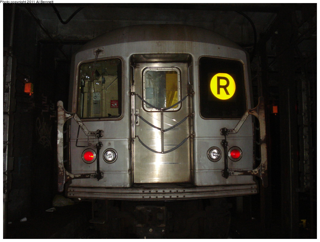 (178k, 1044x788)<br><b>Country:</b> United States<br><b>City:</b> New York<br><b>System:</b> New York City Transit<br><b>Line:</b> IND Queens Boulevard Line<br><b>Location:</b> 71st/Continental Aves./Forest Hills <br><b>Route:</b> R layup<br><b>Car:</b> R-40M (St. Louis, 1969)   <br><b>Photo by:</b> Al Bennett, Jr.<br><b>Date:</b> 2/13/2009<br><b>Viewed (this week/total):</b> 3 / 1396
