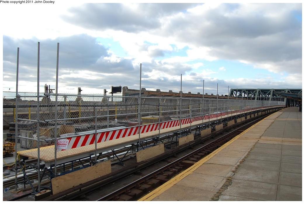 (235k, 1044x699)<br><b>Country:</b> United States<br><b>City:</b> New York<br><b>System:</b> New York City Transit<br><b>Line:</b> IND Crosstown Line<br><b>Location:</b> Smith/9th Street <br><b>Photo by:</b> John Dooley<br><b>Date:</b> 12/4/2010<br><b>Notes:</b> Temporary platform.<br><b>Viewed (this week/total):</b> 0 / 990