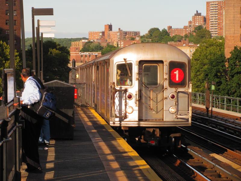 (90k, 800x600)<br><b>Country:</b> United States<br><b>City:</b> New York<br><b>System:</b> New York City Transit<br><b>Line:</b> IRT West Side Line<br><b>Location:</b> 225th Street <br><b>Route:</b> 1<br><b>Car:</b> R-62A (Bombardier, 1984-1987)   <br><b>Photo by:</b> Steven Cruz<br><b>Date:</b> 11/2010<br><b>Viewed (this week/total):</b> 2 / 1119