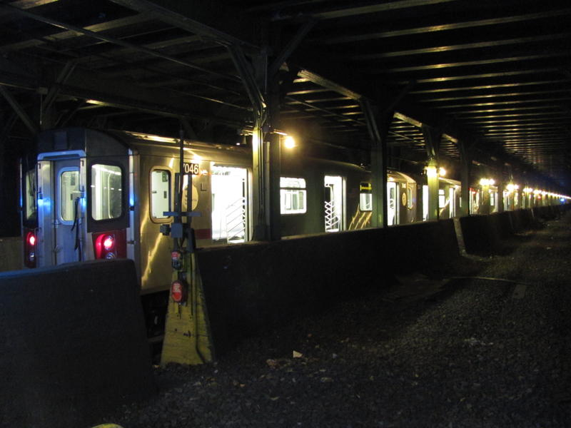(56k, 800x600)<br><b>Country:</b> United States<br><b>City:</b> New York<br><b>System:</b> New York City Transit<br><b>Line:</b> IRT Dyre Ave. Line<br><b>Location:</b> Pelham Parkway <br><b>Route:</b> 5<br><b>Car:</b> R-142 or R-142A (Number Unknown)  <br><b>Photo by:</b> Steven Cruz<br><b>Date:</b> 12/2010<br><b>Viewed (this week/total):</b> 5 / 2270