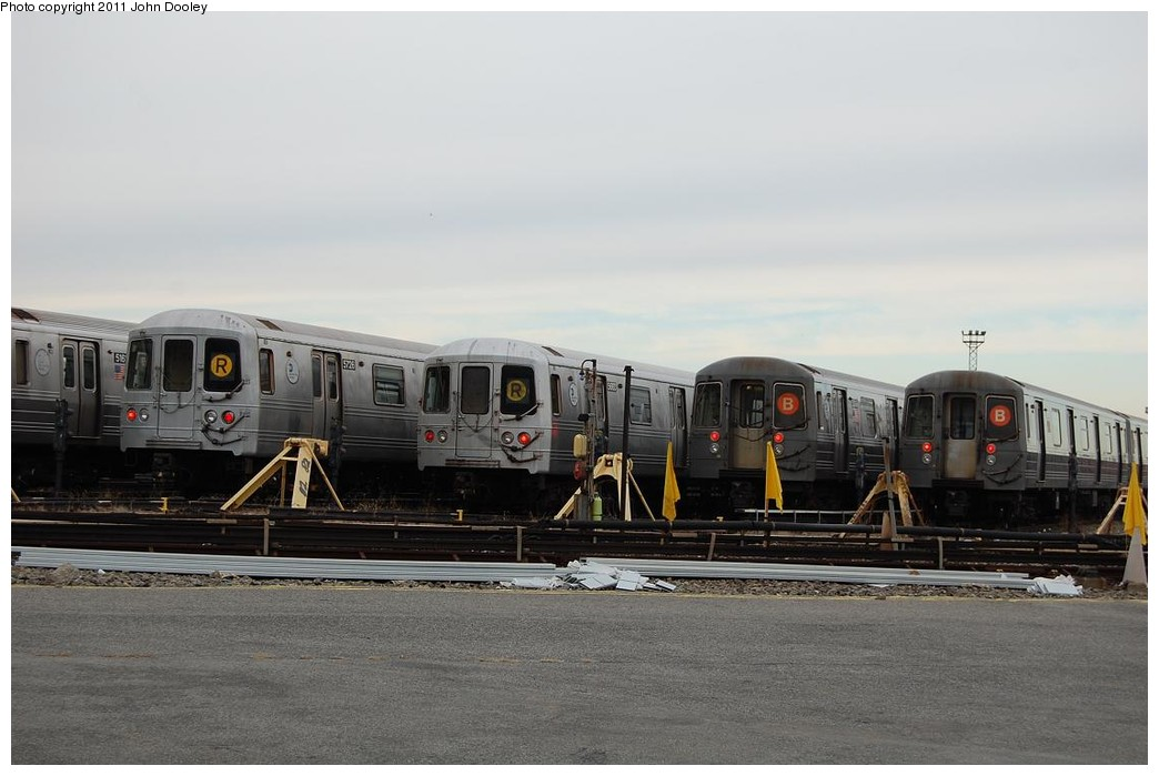 (184k, 1044x699)<br><b>Country:</b> United States<br><b>City:</b> New York<br><b>System:</b> New York City Transit<br><b>Location:</b> 36th Street Yard<br><b>Photo by:</b> John Dooley<br><b>Date:</b> 12/16/2010<br><b>Notes:</b> R46 and R68 cars.<br><b>Viewed (this week/total):</b> 1 / 1264
