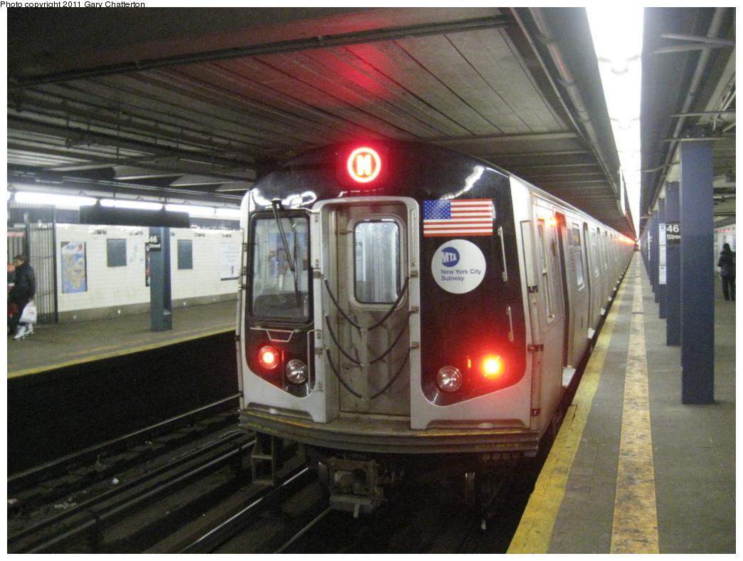 (207k, 1044x788)<br><b>Country:</b> United States<br><b>City:</b> New York<br><b>System:</b> New York City Transit<br><b>Line:</b> IND Queens Boulevard Line<br><b>Location:</b> 46th Street <br><b>Route:</b> M<br><b>Car:</b> R-160A-1 (Alstom, 2005-2008, 4 car sets)  8465 <br><b>Photo by:</b> Gary Chatterton<br><b>Date:</b> 1/31/2011<br><b>Viewed (this week/total):</b> 1 / 1365