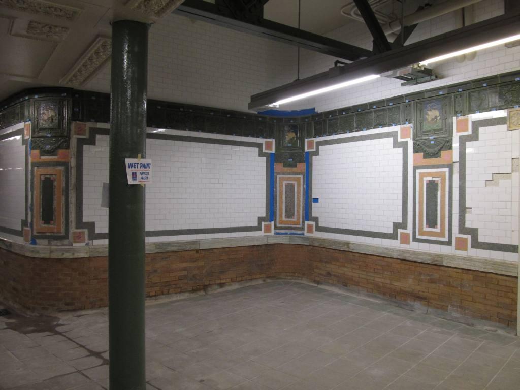 (89k, 1024x768)<br><b>Country:</b> United States<br><b>City:</b> New York<br><b>System:</b> New York City Transit<br><b>Line:</b> IRT West Side Line<br><b>Location:</b> 59th Street/Columbus Circle <br><b>Photo by:</b> Robbie Rosenfeld<br><b>Date:</b> 1/6/2011<br><b>Notes:</b> Renovated tile.<br><b>Viewed (this week/total):</b> 1 / 910