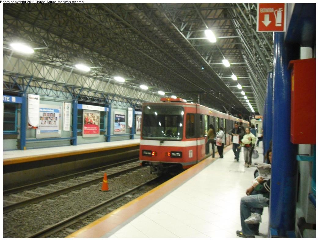 (209k, 1044x788)<br><b>Country:</b> Mexico<br><b>City:</b> Guadalajara<br><b>System:</b> SITEUR (Sistema de Tren Eléctrico Urbano) <br><b>Line:</b> Guadalajara Line 1<br><b>Location:</b> Periférico Norte <br><b>Photo by:</b> Jorge Arturo Monzón Abarca<br><b>Date:</b> 12/3/2010<br><b>Viewed (this week/total):</b> 1 / 634