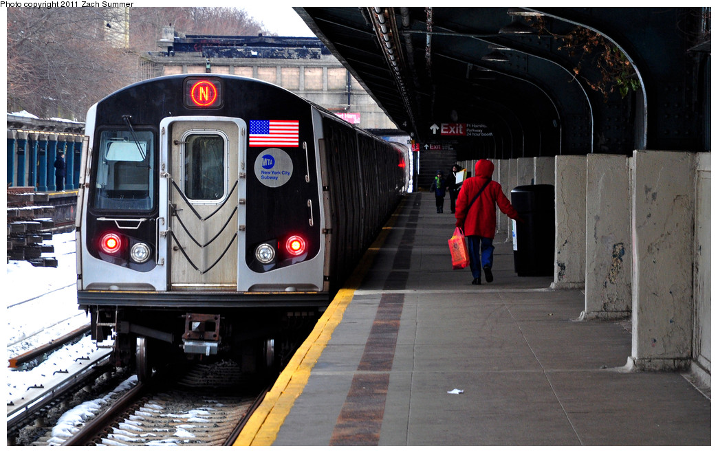 (258k, 1044x659)<br><b>Country:</b> United States<br><b>City:</b> New York<br><b>System:</b> New York City Transit<br><b>Line:</b> BMT Sea Beach Line<br><b>Location:</b> Fort Hamilton Parkway <br><b>Route:</b> N<br><b>Car:</b> R-160B (Kawasaki, 2005-2008)  8853 <br><b>Photo by:</b> Zach Summer<br><b>Date:</b> 1/8/2011<br><b>Viewed (this week/total):</b> 0 / 1112