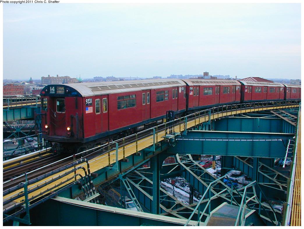 (294k, 1044x788)<br><b>Country:</b> United States<br><b>City:</b> New York<br><b>System:</b> New York City Transit<br><b>Line:</b> BMT Canarsie Line<br><b>Location:</b> Broadway Junction <br><b>Route:</b> Fan Trip<br><b>Car:</b> R-33 World's Fair (St. Louis, 1963-64) 9331/9340 <br><b>Photo by:</b> Chris C. Shaffer<br><b>Date:</b> 12/8/2002<br><b>Viewed (this week/total):</b> 3 / 1898