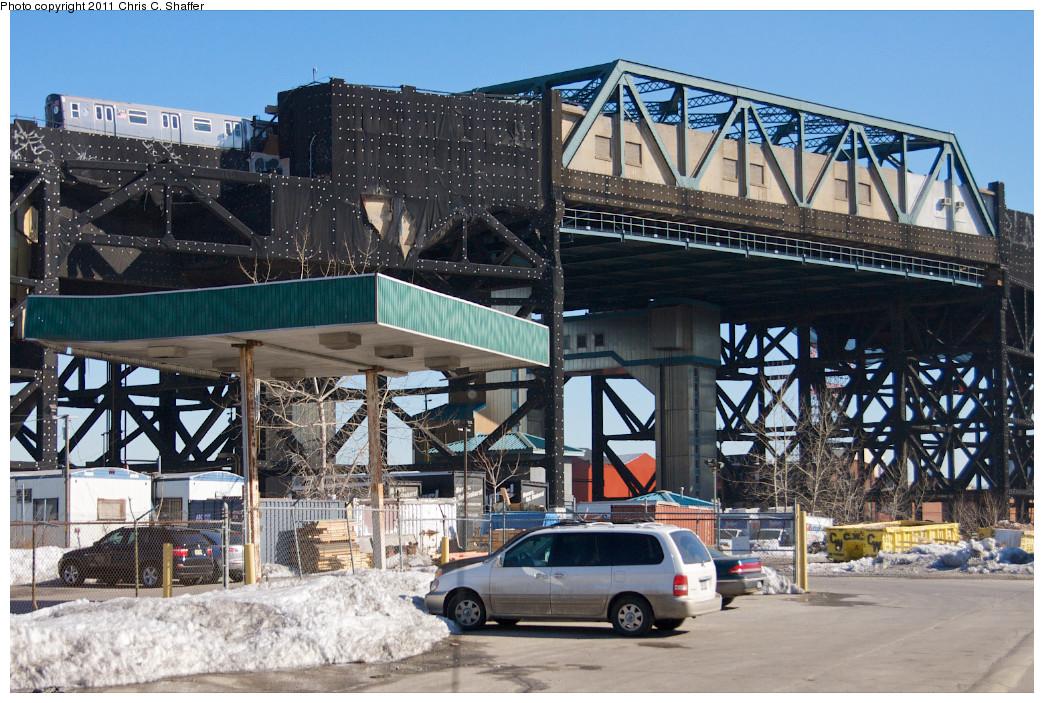 (311k, 1044x703)<br><b>Country:</b> United States<br><b>City:</b> New York<br><b>System:</b> New York City Transit<br><b>Line:</b> IND Crosstown Line<br><b>Location:</b> Smith/9th Street <br><b>Route:</b> G<br><b>Car:</b> R-160A (Option 2) (Alstom, 2009, 5-car sets)  9768 <br><b>Photo by:</b> Chris C. Shaffer<br><b>Date:</b> 2/11/2011<br><b>Viewed (this week/total):</b> 2 / 2599