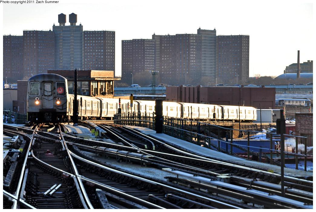 (298k, 1044x703)<br><b>Country:</b> United States<br><b>City:</b> New York<br><b>System:</b> New York City Transit<br><b>Line:</b> BMT Culver Line<br><b>Location:</b> Avenue X <br><b>Route:</b> D Reroute<br><b>Car:</b> R-68 (Westinghouse-Amrail, 1986-1988)   <br><b>Photo by:</b> Zach Summer<br><b>Date:</b> 1/9/2011<br><b>Viewed (this week/total):</b> 2 / 1403