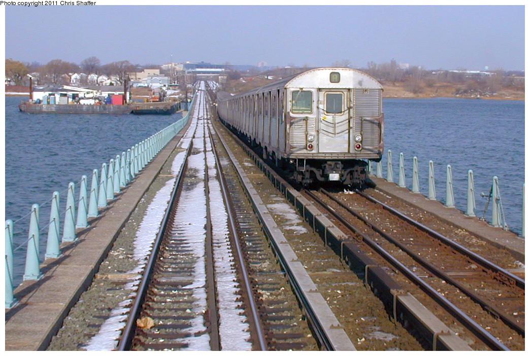 (267k, 1044x702)<br><b>Country:</b> United States<br><b>City:</b> New York<br><b>System:</b> New York City Transit<br><b>Line:</b> IND Rockaway<br><b>Location:</b> North Channel Bridge <br><b>Route:</b> A<br><b>Car:</b> R-32 (Budd, 1964)   <br><b>Photo by:</b> Chris C. Shaffer<br><b>Date:</b> 12/8/2002<br><b>Viewed (this week/total):</b> 0 / 1428