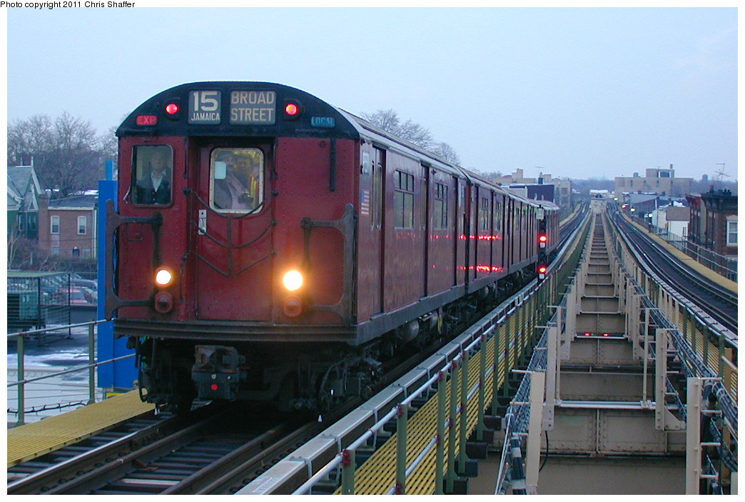 (239k, 1044x703)<br><b>Country:</b> United States<br><b>City:</b> New York<br><b>System:</b> New York City Transit<br><b>Line:</b> BMT Nassau Street/Jamaica Line<br><b>Location:</b> Alabama Avenue <br><b>Route:</b> Fan Trip<br><b>Car:</b> R-33 World's Fair (St. Louis, 1963-64) 9331 <br><b>Photo by:</b> Chris C. Shaffer<br><b>Date:</b> 12/8/2002<br><b>Viewed (this week/total):</b> 0 / 1508