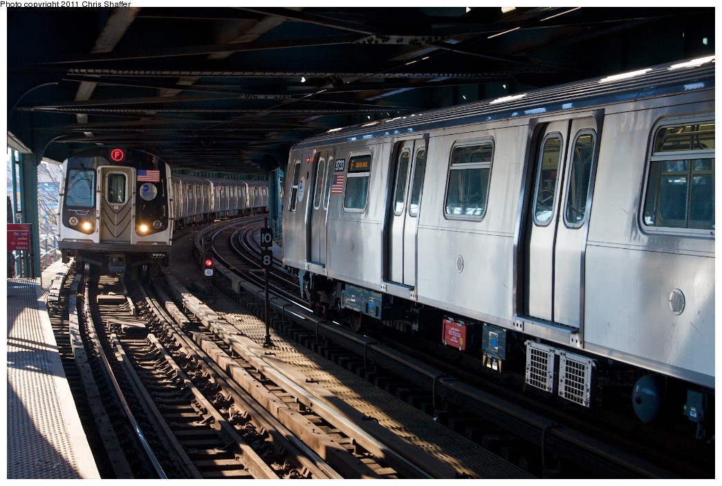 (277k, 1044x703)<br><b>Country:</b> United States<br><b>City:</b> New York<br><b>System:</b> New York City Transit<br><b>Line:</b> BMT Culver Line<br><b>Location:</b> West 8th Street <br><b>Route:</b> F<br><b>Car:</b> R-160A (Option 2) (Alstom, 2009, 5-car sets)  9733 <br><b>Photo by:</b> Chris C. Shaffer<br><b>Date:</b> 2/11/2011<br><b>Viewed (this week/total):</b> 0 / 1394