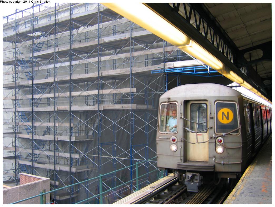 (304k, 1044x787)<br><b>Country:</b> United States<br><b>City:</b> New York<br><b>System:</b> New York City Transit<br><b>Line:</b> BMT Astoria Line<br><b>Location:</b> Ditmars Boulevard <br><b>Route:</b> N<br><b>Car:</b> R-68A (Kawasaki, 1988-1989)   <br><b>Photo by:</b> Chris C. Shaffer<br><b>Date:</b> 10/24/2007<br><b>Viewed (this week/total):</b> 1 / 1467