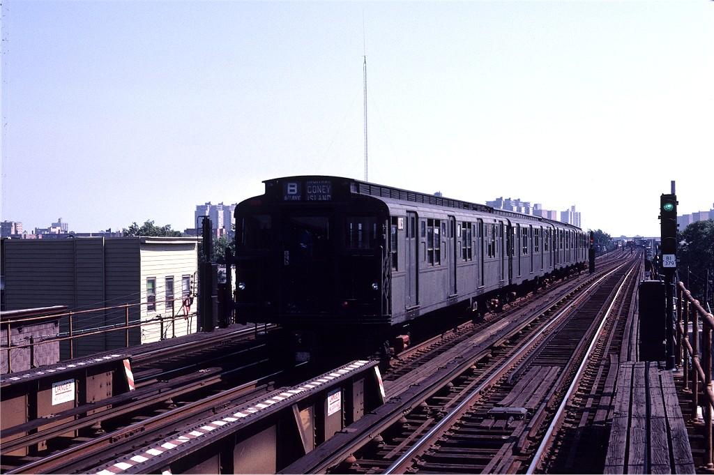 (194k, 1024x681)<br><b>Country:</b> United States<br><b>City:</b> New York<br><b>System:</b> New York City Transit<br><b>Line:</b> BMT Culver Line<br><b>Location:</b> Avenue U <br><b>Route:</b> S<br><b>Car:</b> R-1 (American Car & Foundry, 1930-1931) 103 <br><b>Photo by:</b> Joe Testagrose<br><b>Date:</b> 7/4/1980<br><b>Viewed (this week/total):</b> 0 / 924