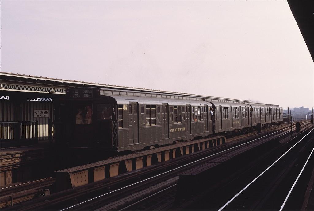 (126k, 1024x687)<br><b>Country:</b> United States<br><b>City:</b> New York<br><b>System:</b> New York City Transit<br><b>Line:</b> BMT Culver Line<br><b>Location:</b> Bay Parkway (22nd Avenue) <br><b>Route:</b> Fan Trip<br><b>Car:</b> R-4 (American Car & Foundry, 1932-1933) 484 <br><b>Photo by:</b> Joe Testagrose<br><b>Date:</b> 10/30/1971<br><b>Viewed (this week/total):</b> 0 / 785