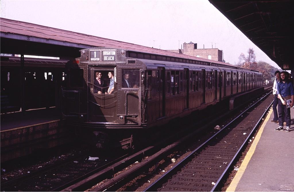(169k, 1024x669)<br><b>Country:</b> United States<br><b>City:</b> New York<br><b>System:</b> New York City Transit<br><b>Line:</b> BMT Brighton Line<br><b>Location:</b> Kings Highway <br><b>Route:</b> Fan Trip<br><b>Car:</b> R-4 (American Car & Foundry, 1932-1933) 484 <br><b>Photo by:</b> Doug Grotjahn<br><b>Collection of:</b> Joe Testagrose<br><b>Date:</b> 10/30/1971<br><b>Viewed (this week/total):</b> 2 / 773