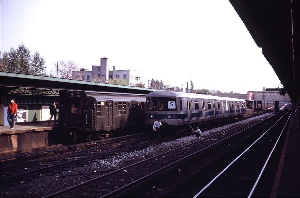 (149k, 1024x679)<br><b>Country:</b> United States<br><b>City:</b> New York<br><b>System:</b> New York City Transit<br><b>Line:</b> BMT Sea Beach Line<br><b>Location:</b> Fort Hamilton Parkway <br><b>Car:</b> R-44 (St. Louis, 1971-73) 110 <br><b>Photo by:</b> Steve Zabel<br><b>Collection of:</b> Joe Testagrose<br><b>Date:</b> 10/31/1971<br><b>Viewed (this week/total):</b> 0 / 1357