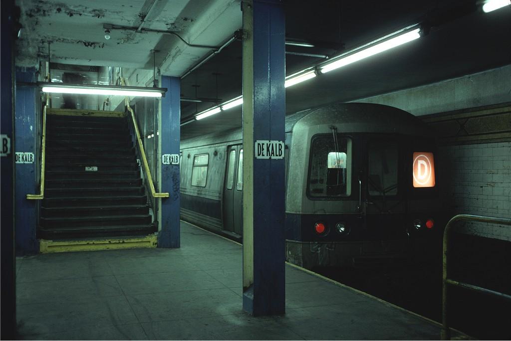 (140k, 1024x684)<br><b>Country:</b> United States<br><b>City:</b> New York<br><b>System:</b> New York City Transit<br><b>Location:</b> DeKalb Avenue<br><b>Route:</b> D<br><b>Car:</b> R-44 (St. Louis, 1971-73) 324 <br><b>Photo by:</b> Doug Grotjahn<br><b>Collection of:</b> Joe Testagrose<br><b>Date:</b> 12/26/1976<br><b>Viewed (this week/total):</b> 2 / 1567
