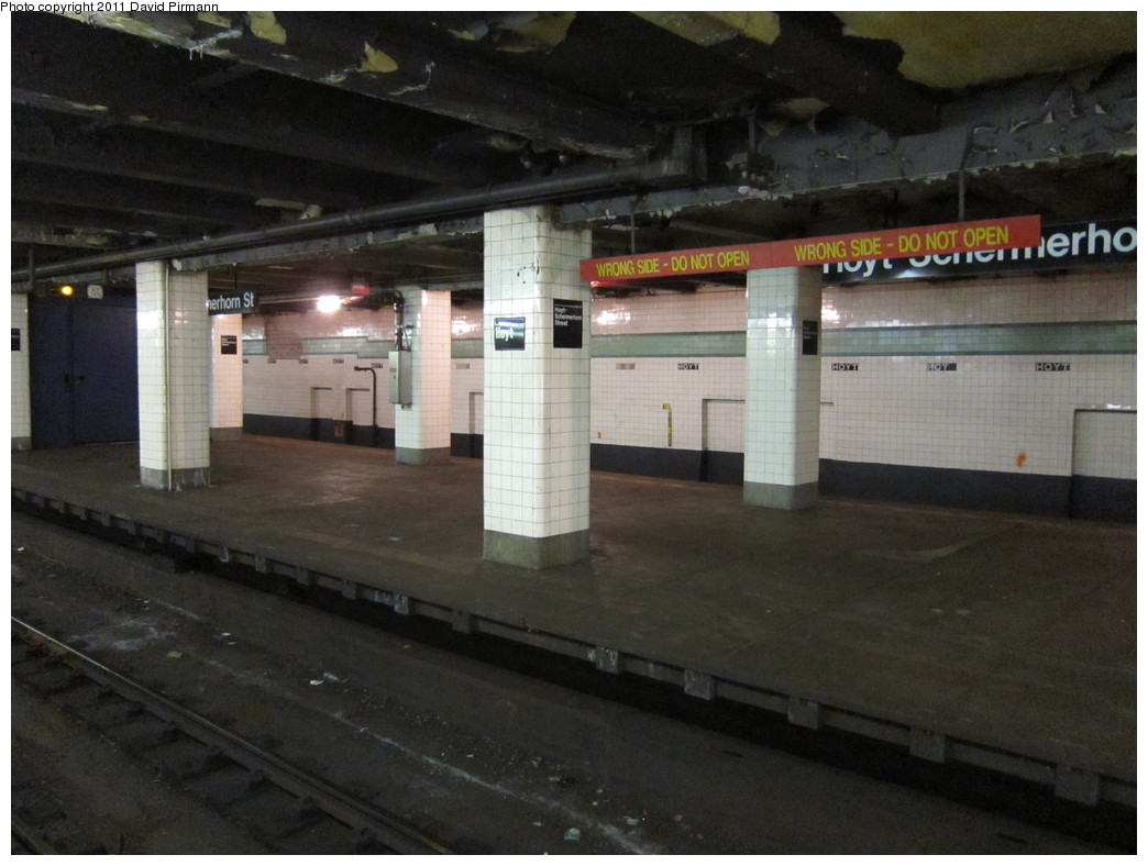 (183k, 1044x788)<br><b>Country:</b> United States<br><b>City:</b> New York<br><b>System:</b> New York City Transit<br><b>Line:</b> IND Fulton Street Line<br><b>Location:</b> Hoyt-Schermerhorn Street <br><b>Photo by:</b> David Pirmann<br><b>Date:</b> 4/9/2011<br><b>Notes:</b> Unused eastbound platform.<br><b>Viewed (this week/total):</b> 0 / 1887