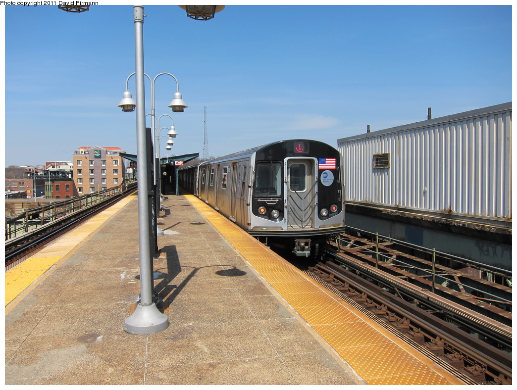 (263k, 1044x788)<br><b>Country:</b> United States<br><b>City:</b> New York<br><b>System:</b> New York City Transit<br><b>Line:</b> BMT Canarsie Line<br><b>Location:</b> Atlantic Avenue <br><b>Route:</b> L<br><b>Car:</b> R-160A-1 (Alstom, 2005-2008, 4 car sets)  8348 <br><b>Photo by:</b> David Pirmann<br><b>Date:</b> 4/9/2011<br><b>Viewed (this week/total):</b> 0 / 998