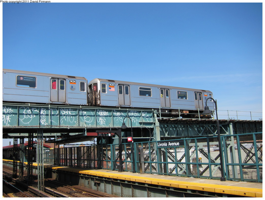 (231k, 1044x788)<br><b>Country:</b> United States<br><b>City:</b> New York<br><b>System:</b> New York City Transit<br><b>Line:</b> BMT Canarsie Line<br><b>Location:</b> Livonia Avenue <br><b>Route:</b> 3<br><b>Car:</b> R-62 (Kawasaki, 1983-1985)  1425 <br><b>Photo by:</b> David Pirmann<br><b>Date:</b> 4/9/2011<br><b>Notes:</b> View of IRT from Canarsie line platform.<br><b>Viewed (this week/total):</b> 0 / 1150