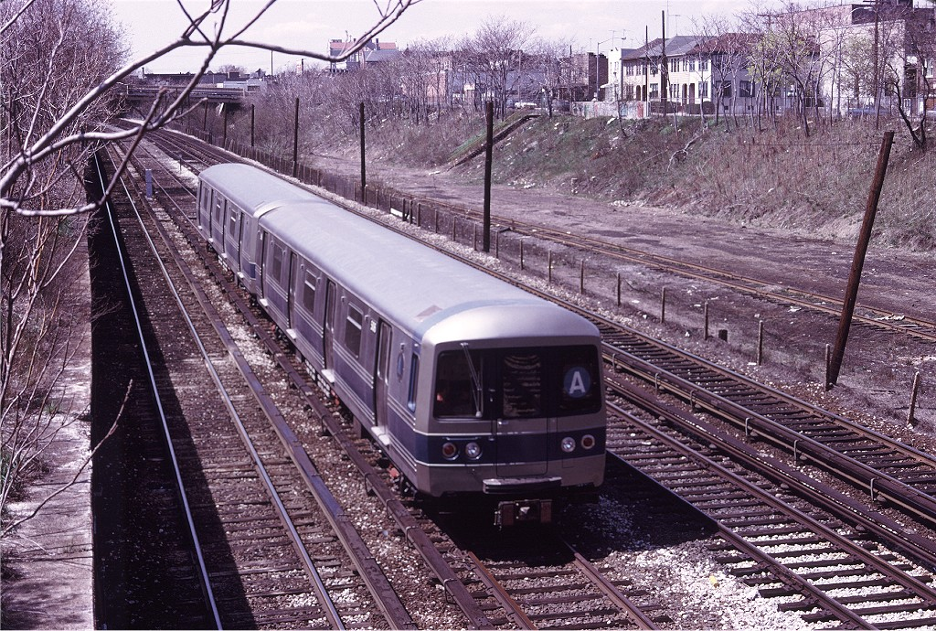 (341k, 1024x690)<br><b>Country:</b> United States<br><b>City:</b> New York<br><b>System:</b> New York City Transit<br><b>Line:</b> BMT Sea Beach Line<br><b>Location:</b> Fort Hamilton Parkway <br><b>Car:</b> R-46 (Pullman-Standard, 1974-75) 506 <br><b>Photo by:</b> Doug Grotjahn<br><b>Collection of:</b> Joe Testagrose<br><b>Date:</b> 4/26/1975<br><b>Viewed (this week/total):</b> 0 / 1482