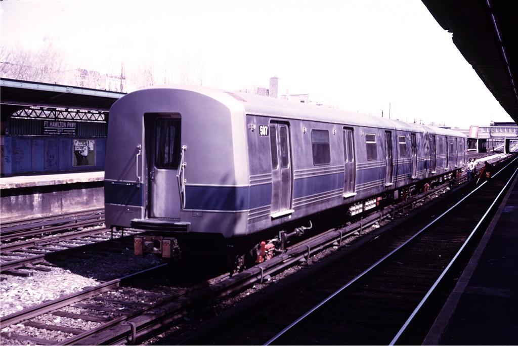 (156k, 1024x684)<br><b>Country:</b> United States<br><b>City:</b> New York<br><b>System:</b> New York City Transit<br><b>Line:</b> BMT Sea Beach Line<br><b>Location:</b> Fort Hamilton Parkway <br><b>Car:</b> R-46 (Pullman-Standard, 1974-75) 507 <br><b>Photo by:</b> Doug Grotjahn<br><b>Collection of:</b> Joe Testagrose<br><b>Date:</b> 4/26/1975<br><b>Viewed (this week/total):</b> 0 / 1271
