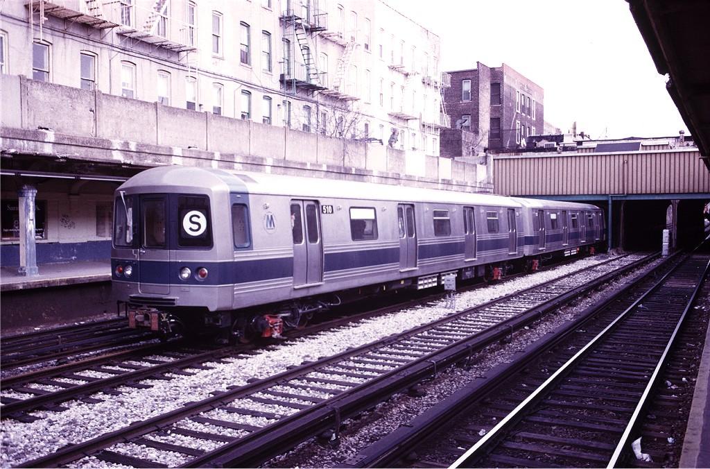 (251k, 1024x676)<br><b>Country:</b> United States<br><b>City:</b> New York<br><b>System:</b> New York City Transit<br><b>Line:</b> BMT Sea Beach Line<br><b>Location:</b> 18th Avenue <br><b>Car:</b> R-46 (Pullman-Standard, 1974-75) 510 <br><b>Photo by:</b> Steve Zabel<br><b>Collection of:</b> Joe Testagrose<br><b>Date:</b> 4/5/1975<br><b>Viewed (this week/total):</b> 0 / 1265