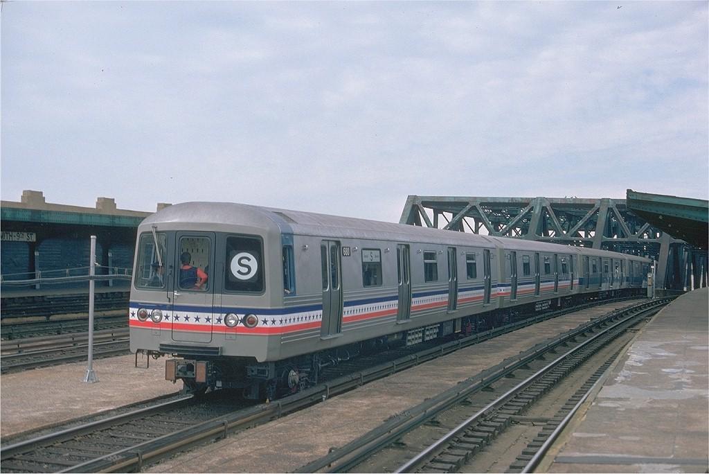 (184k, 1024x684)<br><b>Country:</b> United States<br><b>City:</b> New York<br><b>System:</b> New York City Transit<br><b>Line:</b> IND Crosstown Line<br><b>Location:</b> Smith/9th Street <br><b>Route:</b> Fan Trip<br><b>Car:</b> R-46 (Pullman-Standard, 1974-75) 680 <br><b>Photo by:</b> Ed McKernan<br><b>Collection of:</b> Joe Testagrose<br><b>Date:</b> 2/26/1977<br><b>Viewed (this week/total):</b> 0 / 988