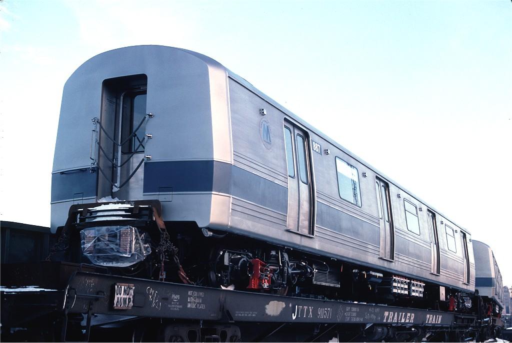 (145k, 1024x687)<br><b>Country:</b> United States<br><b>City:</b> Hoboken, NJ<br><b>System:</b> New York City Transit<br><b>Location:</b> Hoboken Yard <br><b>Car:</b> R-46 (Pullman-Standard, 1974-75) 887 <br><b>Photo by:</b> Ed McKernan<br><b>Collection of:</b> Joe Testagrose<br><b>Date:</b> 12/27/1976<br><b>Viewed (this week/total):</b> 0 / 517